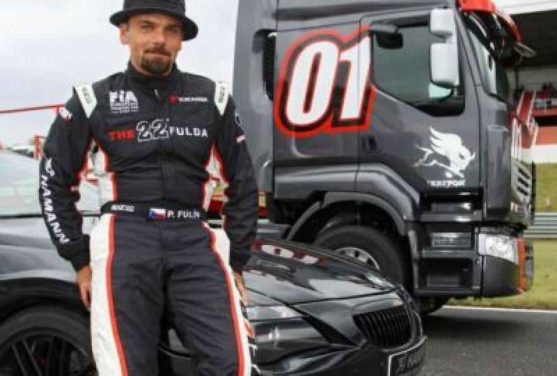 Petr Fulín za volantem safety caru