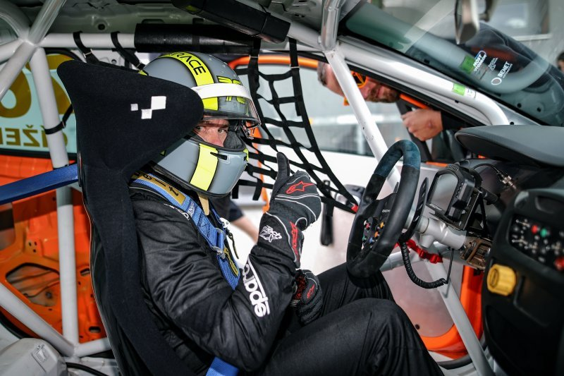Petr Čížek a Maciej Laszkiewicz doplní startovní listinu FIA ETCC v Mostě