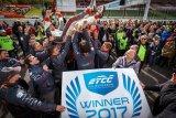 Finále ETCC: Dramatické souboje a titul pro Petra Fulína podpořený vítězstvím na domácí půdě
